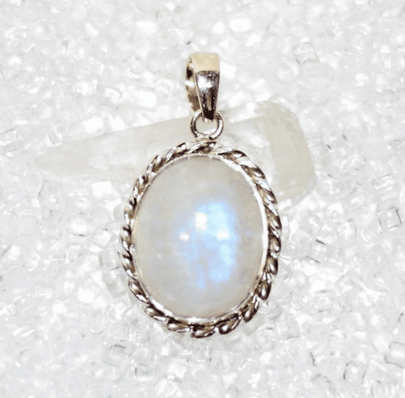 WHAT-EXACTLY-IS-CRYSTAK-JEWELRY-IMAGE